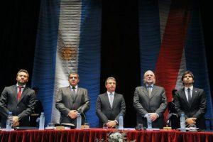 Mauro, José Cáceres, Urribarri, José Allende y Pierini.
