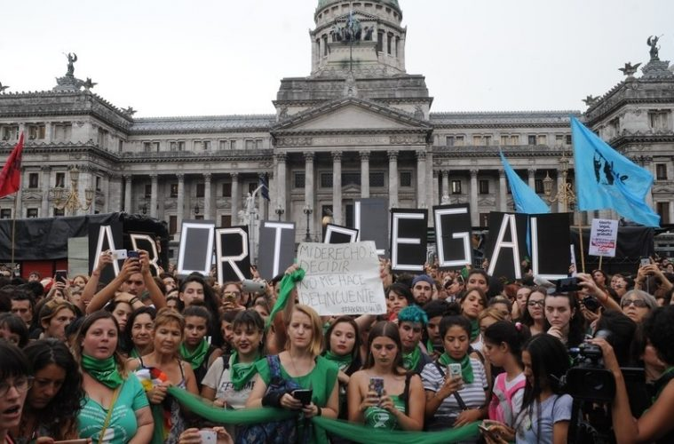 buenos Aires 19 de febrero 2018 el pañuelazo frente al Congreso  foto Rolando Andrade Stracuzzi ley 11723