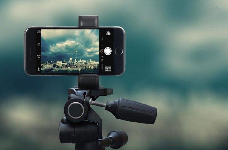 Resultado de imagen para cine con celulares